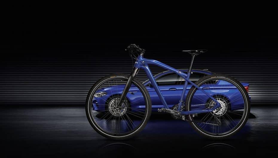 Aquí tienes la nueva bici de BMW M: La BMW de dos ruedas más asequible…