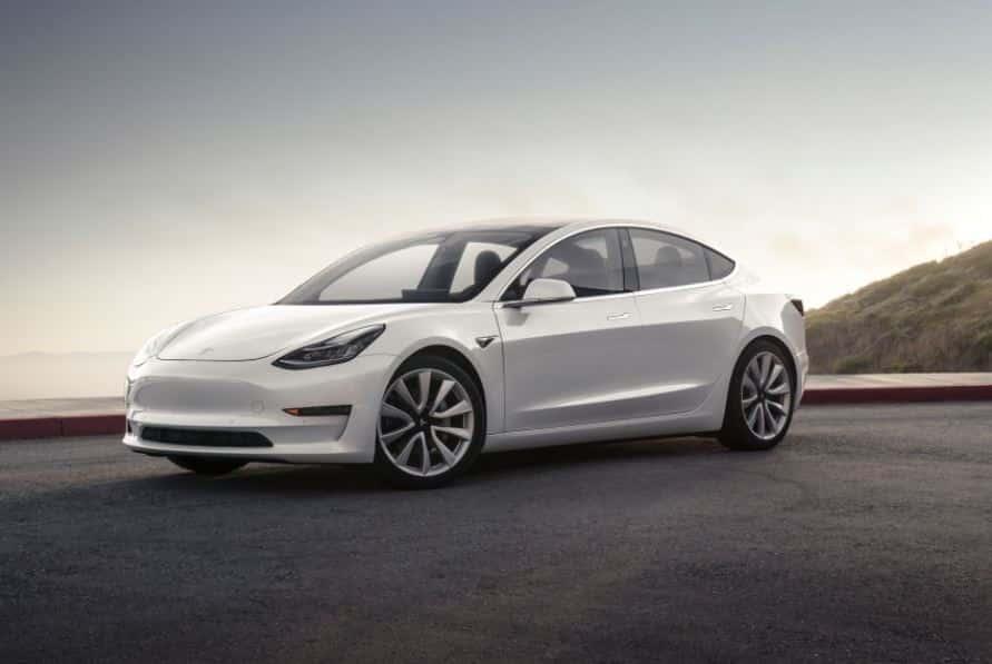 """Tesla continúa con su """"infierno"""" de producción del Model 3, y ahora suma las mayores pérdidas de su historia…"""