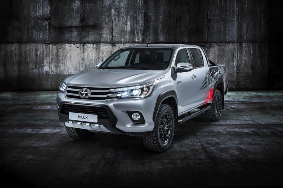 Toyota Hilux Invincible 50: Porque hay pocos 'cacharros' tan duros como el icónico Hilux…