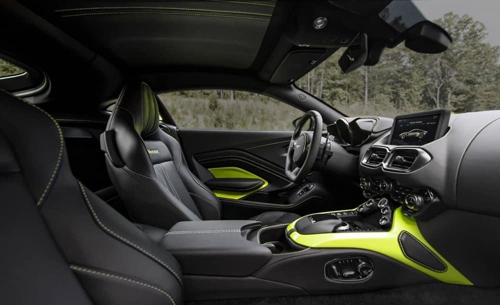 Aston Martin Arrasa Con El Nuevo Vantage Toda La Produccion Del