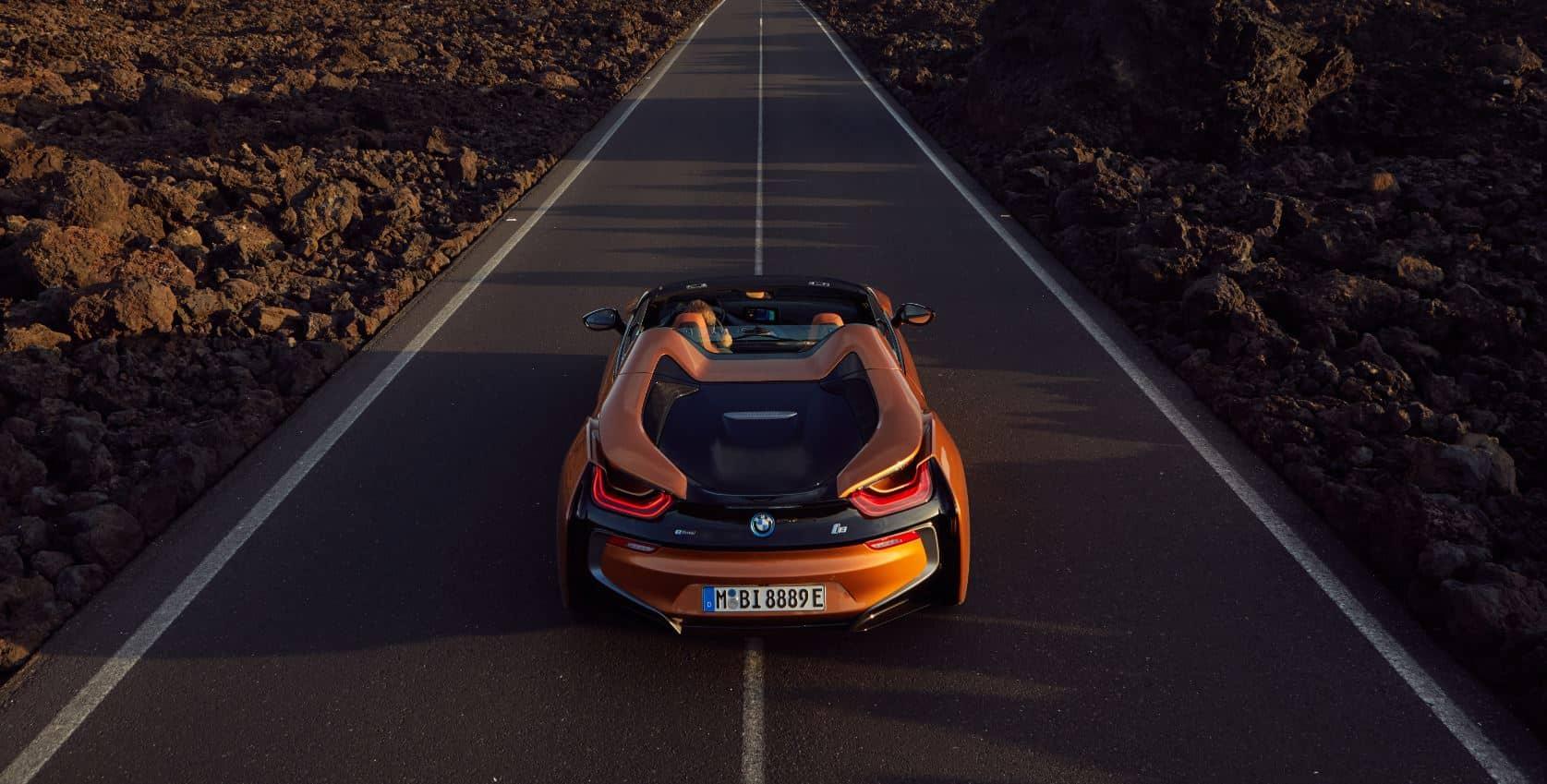 ¡Oficial! Así es el BMW i8 Roadster: Fibra de carbono, aluminio y electricidad a cielo abierto