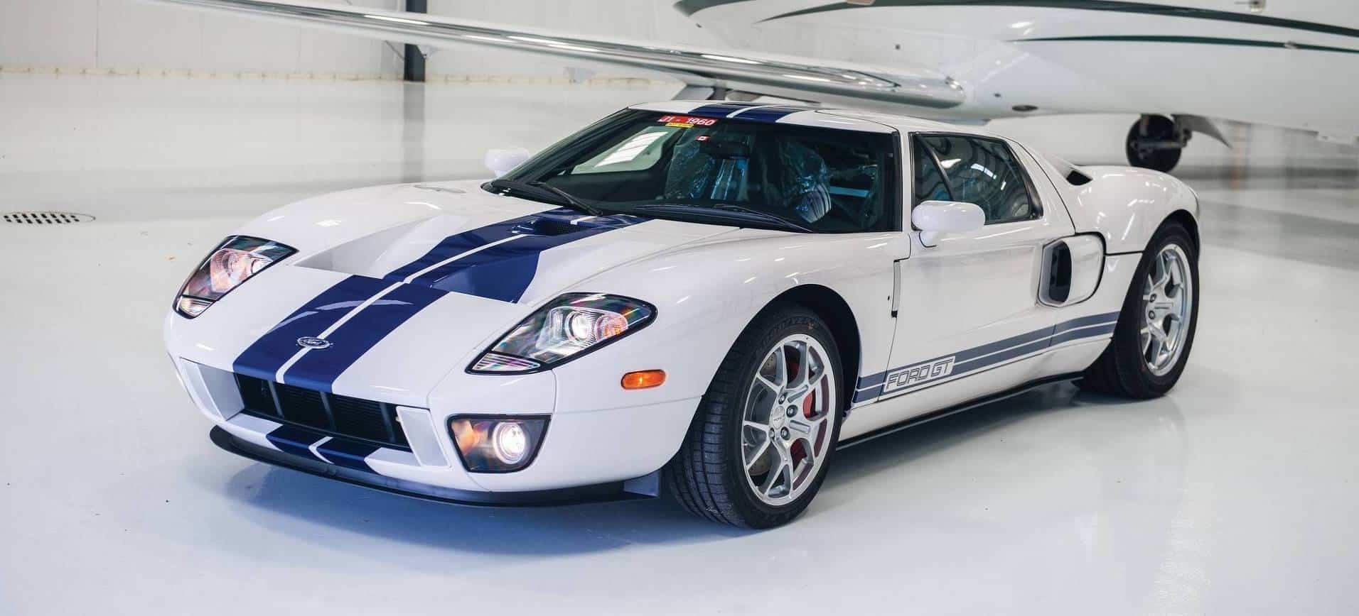 El sueño de todo coleccionista ha llegado: Un Ford GT del 2006 con ¡solo 17 kilómetros!