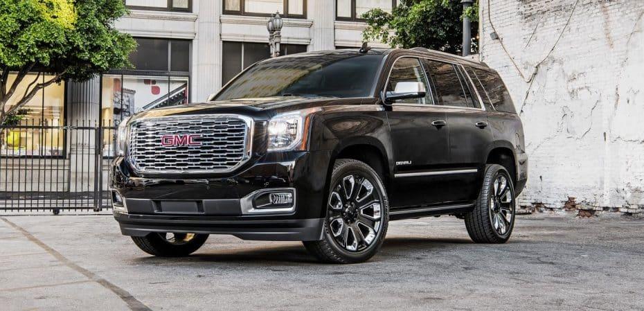 ¿Eres fan de los monstruos sobre cuatro ruedas? El GMC Yukon Ultimate Black Edition es tu coche