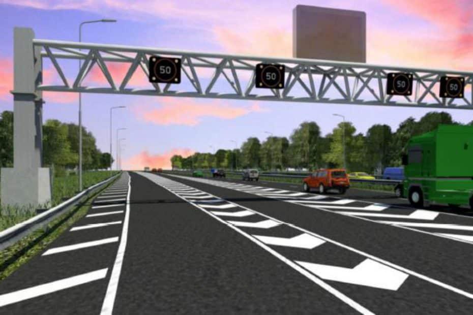 ¿Semáforos en autopistas? Ojo a esta curiosa solución para acabar con los atascos en Inglaterra