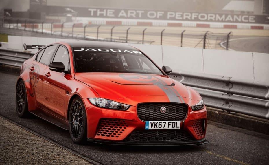 Nuevo récord en Nürburgring: El Jaguar XE SV PROJECT 8 desayuna, come, merienda y cena superdeportivos