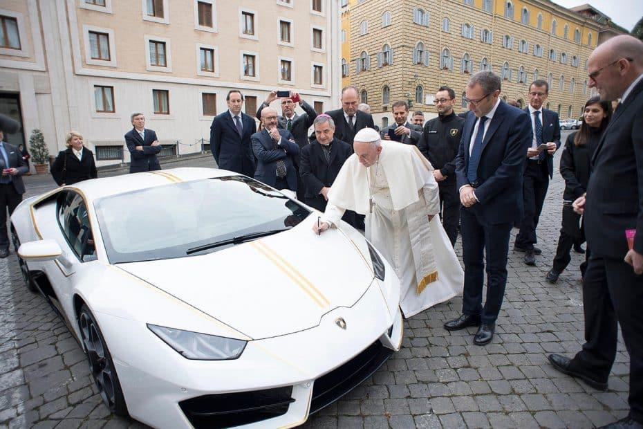 ¿El mejor regalo al Papa Francisco? Este Lamborghini Huracan exclusivo, pero es por una buena causa…