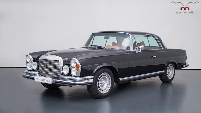 Este Mercedes-Benz W111 es toda una joya de 1970 y en su interior esconde una grata sorpresa…