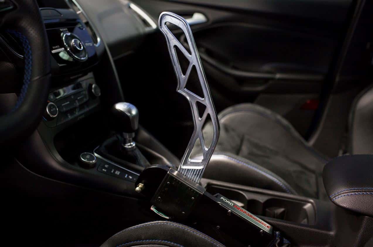 Ford nos habla del primer freno de mano electrónico inspirado en el mundo del rally, es para el Focus RS y mola un montón