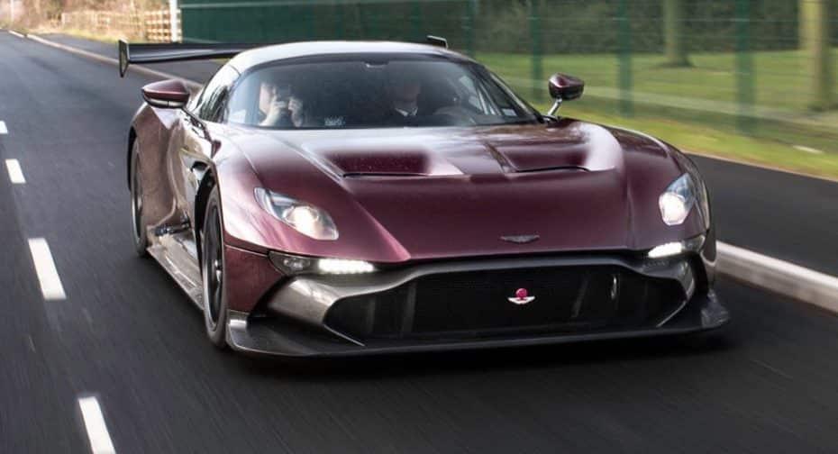 Ojo a este Aston Martin Vulcan homologado para carretera: 18 meses de duro trabajo dan sus frutos