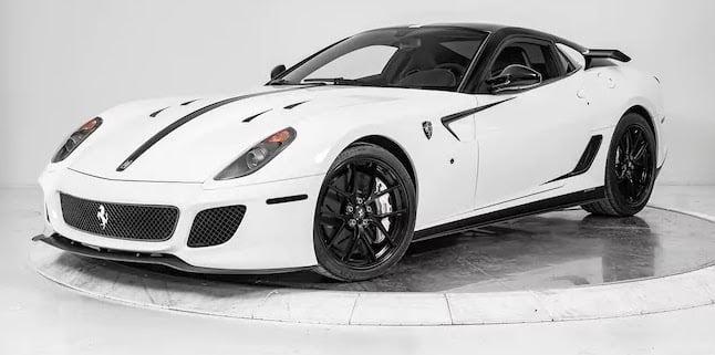 Este excéntrico Ferrari 599 GTO cuesta 'solo' 632.000 euros y añade partes del 599XX