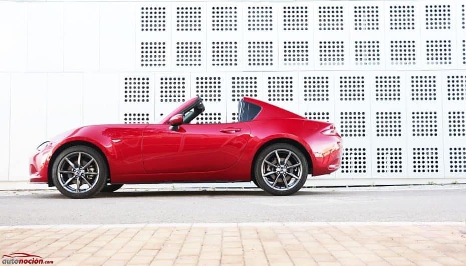 Prueba Mazda MX-5 RF 2.0 160 CV Luxury Sport: Fiel, eso sí, de una forma única