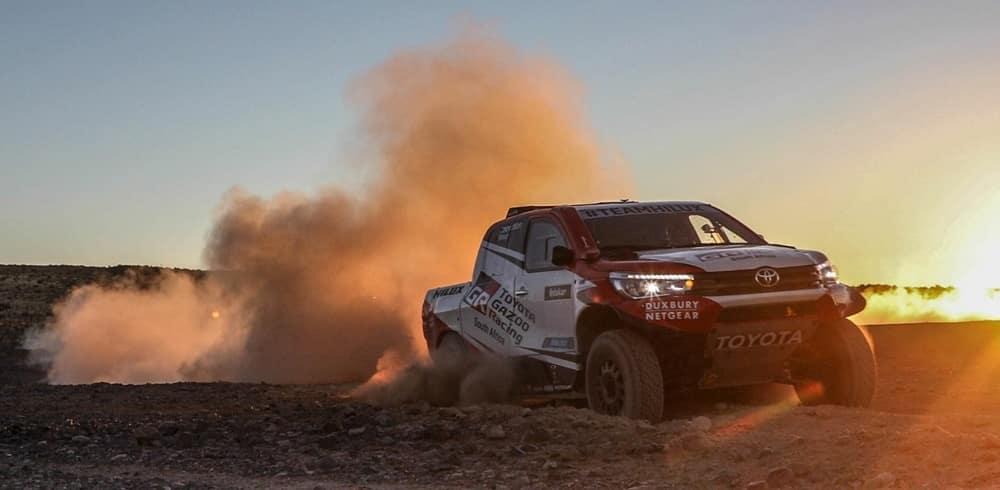 Toyota mejora sus armas para el Dakar 2018: Este es el nuevo Hilux V8 de aspiración natural