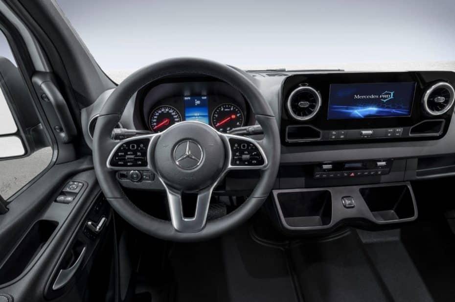 ¡Oficial!: Aquí tienes el interior del nuevo Sprinter de Mercedes-Benz…