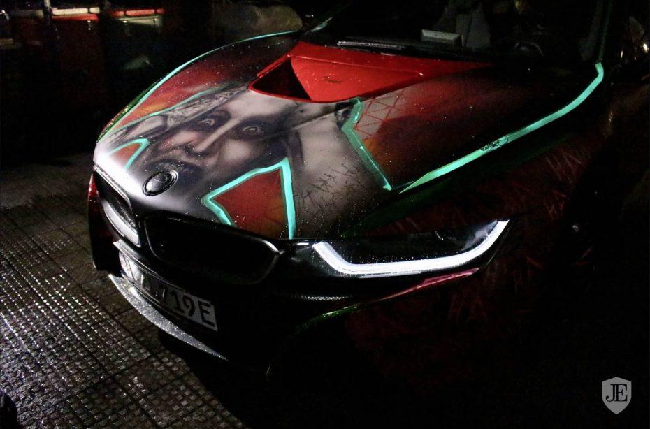 ¿Eres un auténtico fan del Joker? Pues ahora tienes un BMW i8 a juego por un precio de miedo