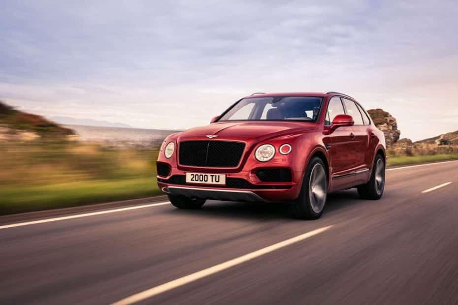 El Bentley Bentayga ahora también con mecánica V8 de 550 CV ¡Y los frenos más grandes del mercado!