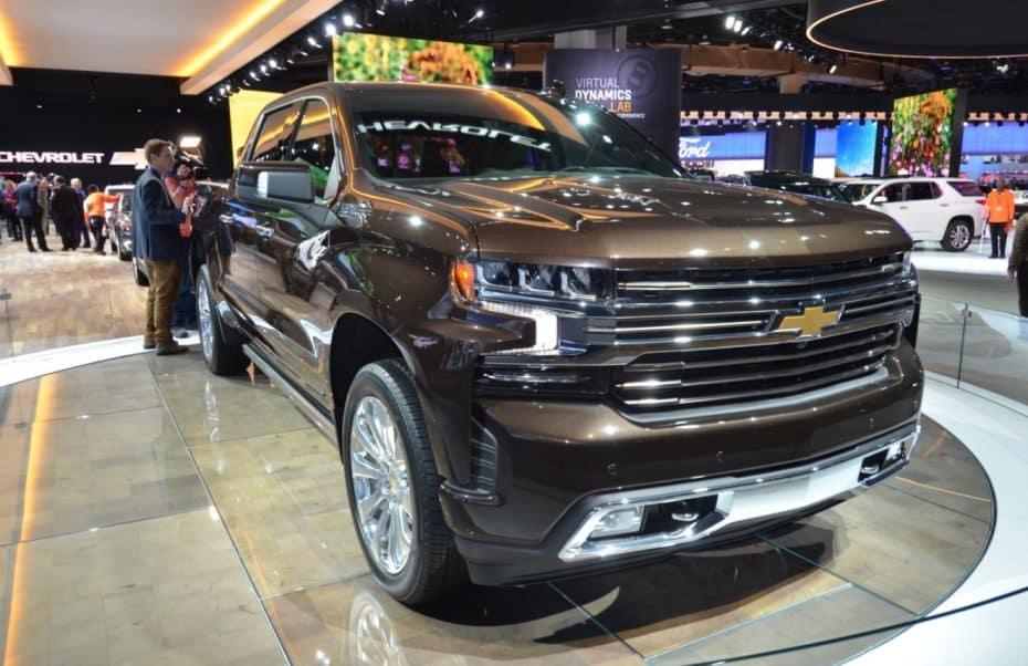 """Así es el Chevrolet Silverado 2019 en directo: El """"pickup"""" que se pone elegante para el trabajo"""
