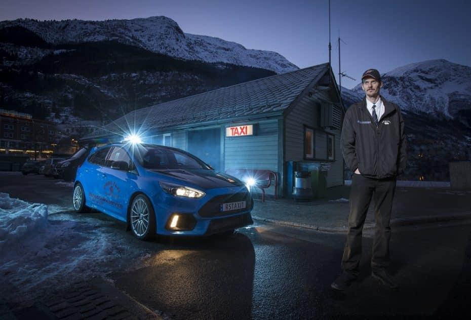 Si vas a viajar a Noruega, quizás deberías probar el único Ford Focus RS del mundo convertido en taxi