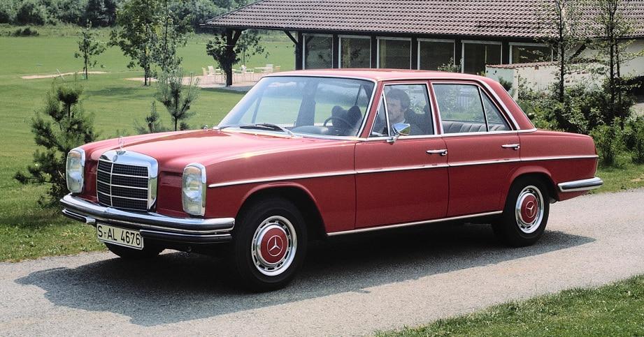 """Mercedes-Benz """"Stroke/8"""": Así nació una nueva generación que revolucionó las berlinas medianas"""