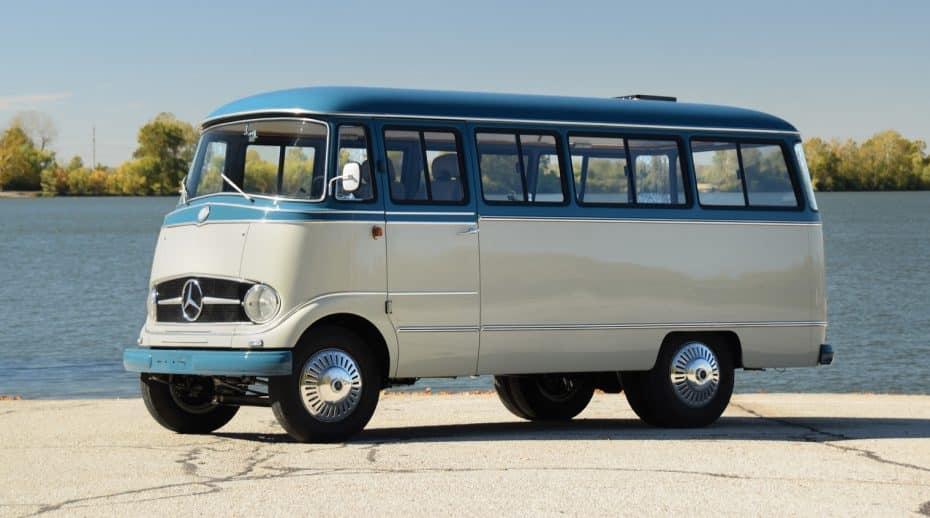 Esta restauración de un Mercedes-Benz O 319 de 1959 está a subasta ¡Pero ojo a su precio!
