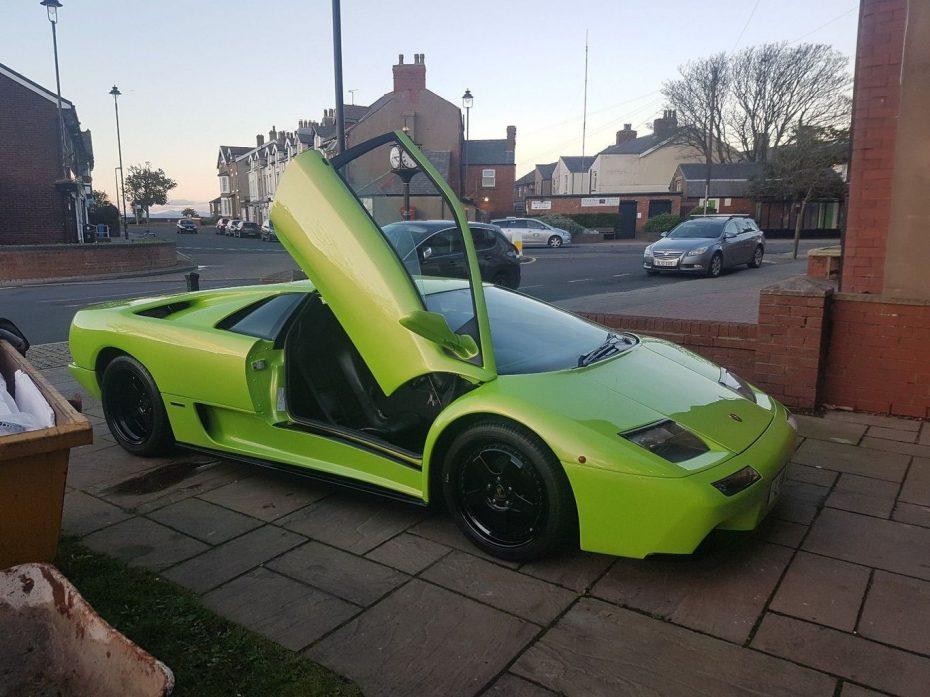 Esta réplica de un Lamborghini Diablo es casi perfecta… ¡Y puede ser tuya por muy poco!
