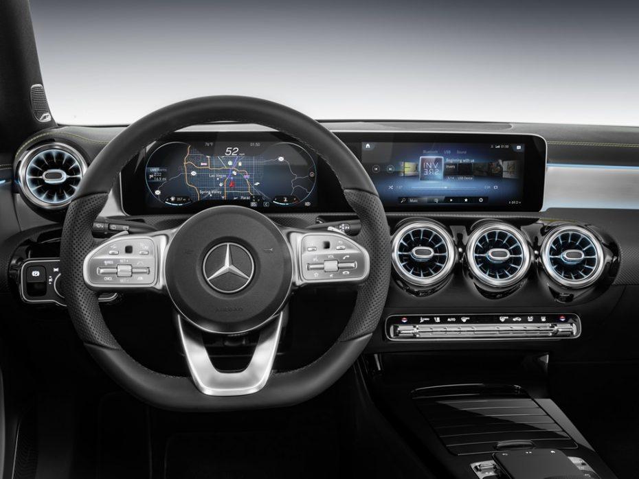 Así es el sistema multimedia MBUX del nuevo Mercedes-Benz Clase A: Una auténtica revolución