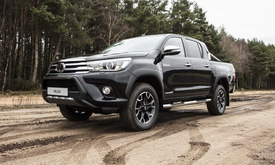 Toyota Hilux Invincible 50 Chrome: El pick up se viste de gala para celebrar sus 50 primaveras