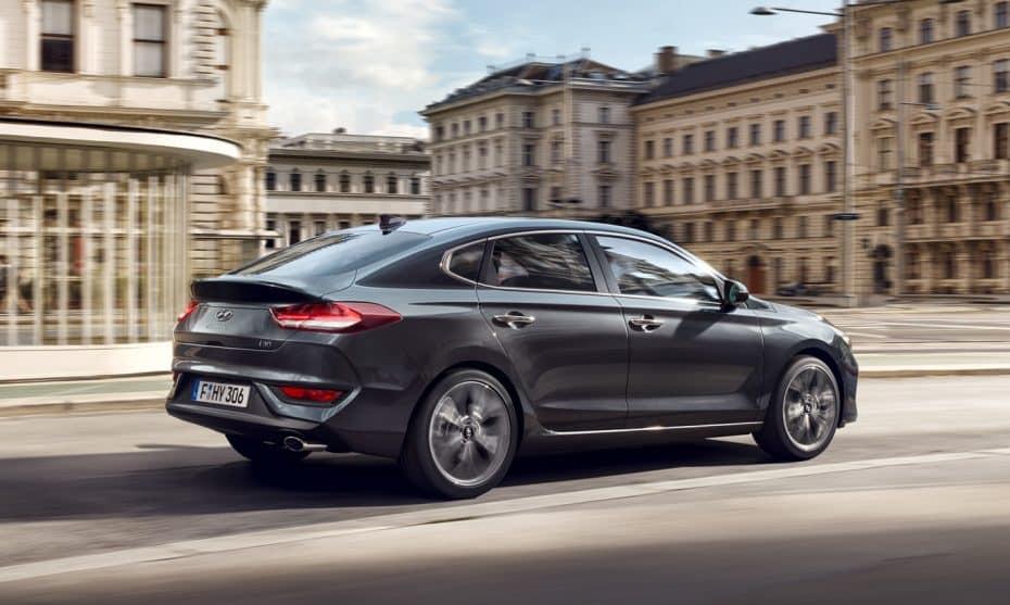 El nuevo Hyundai i30 Fastback aterriza con hasta 6.400 € de ahorro