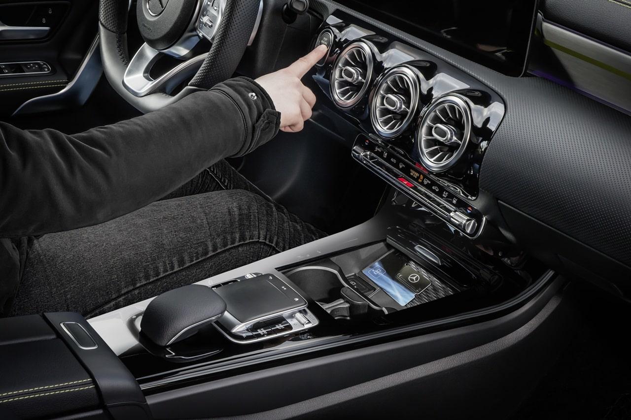 Abrir el mercedes benz clase a con el m vil o compartirlo for Mercedes benz clase a 2018
