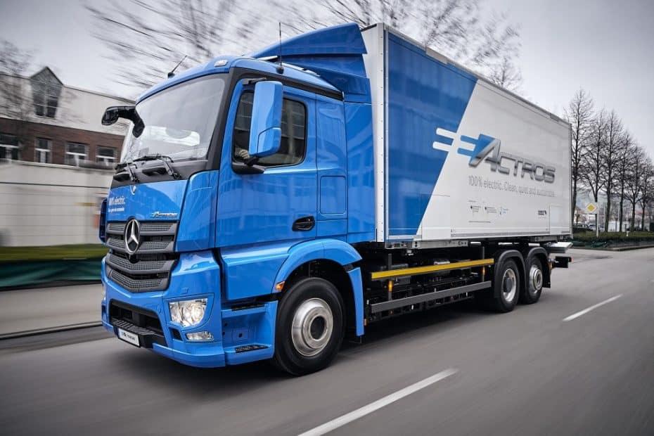 Mercedes-Benz nos presenta el eActros: Un camión 100% eléctrico con 200 km de autonomía