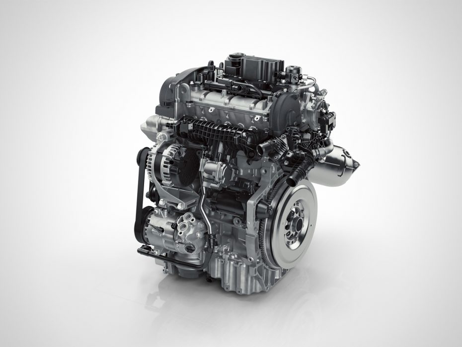 Los motores de tres cilindros llegan a la gama del Volvo XC40 con 156 CV de potencia