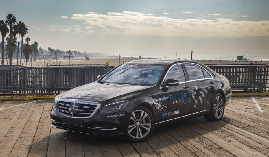 Daimler y Bosch se alían para traer a las carreteras el «taxi robot» ¡Bienvenido al futuro!