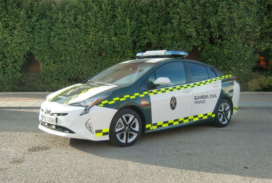 El Toyota Prius se une a la flota de la Guardia Civil: Seguirán multando, pero de forma más ecológica