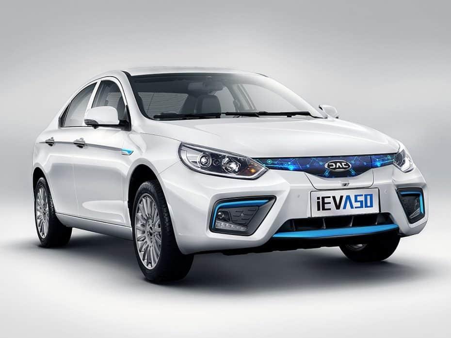 Así es el nuevo JAC iEV A50: El próximo SEAT chino tendrá mucho en común