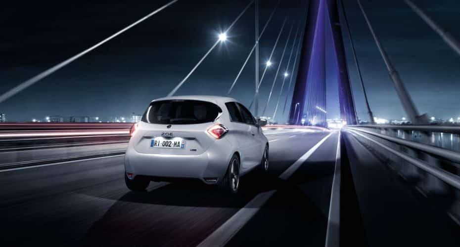 """Renault también tendrá una red de """"supercargadores"""" y de momento, aquí habrá 4"""
