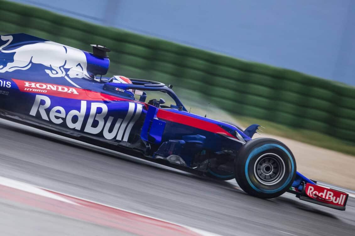 Así es el Toro Rosso STR13: El nuevo motor Honda sorprende en los primeros test en Barcelona