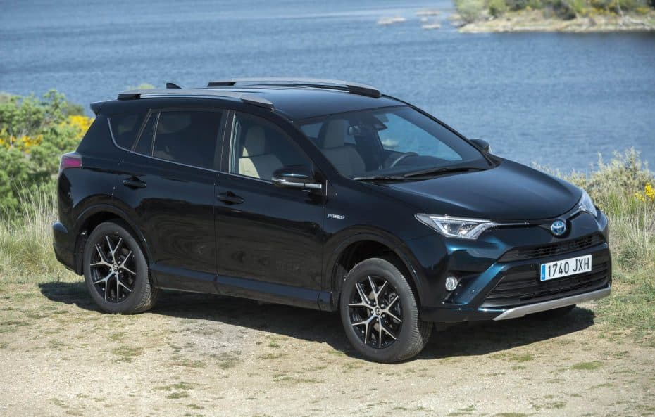 Estos fueron los híbridos más vendidos en España en enero: Toyota no tiene rival