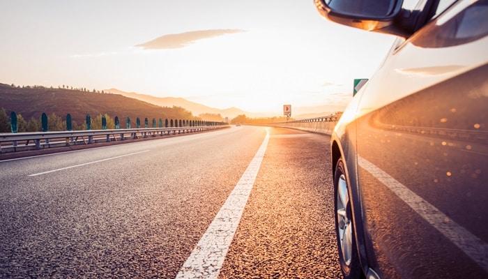 ¿Cuánto cuesta tener un coche en propiedad? Ventajas de alquilar un coche para empresas y particulares