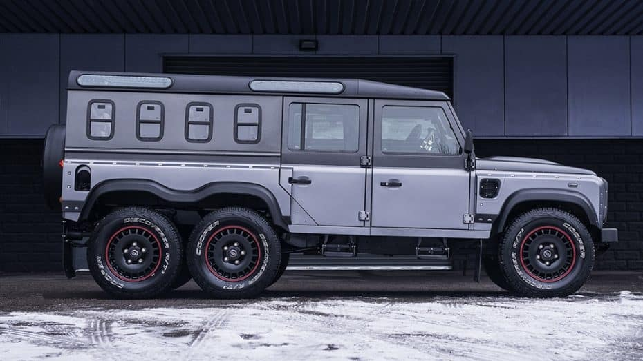 Así es el salvaje Flying Huntsman 6X6 Civilian Carrier de Khan Design ¡Puro músculo artesanal!