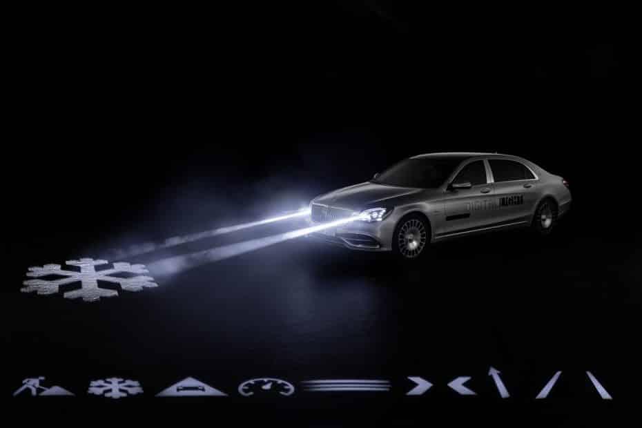 Mercedes-Benz Digital Light: La iluminación inteligente que conocimos hace tiempo ya es una realidad