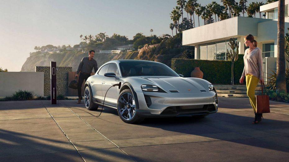 ¡Oficial! El Porsche MissionE Cross Turismo será una realidad tras la llegada del Taycan