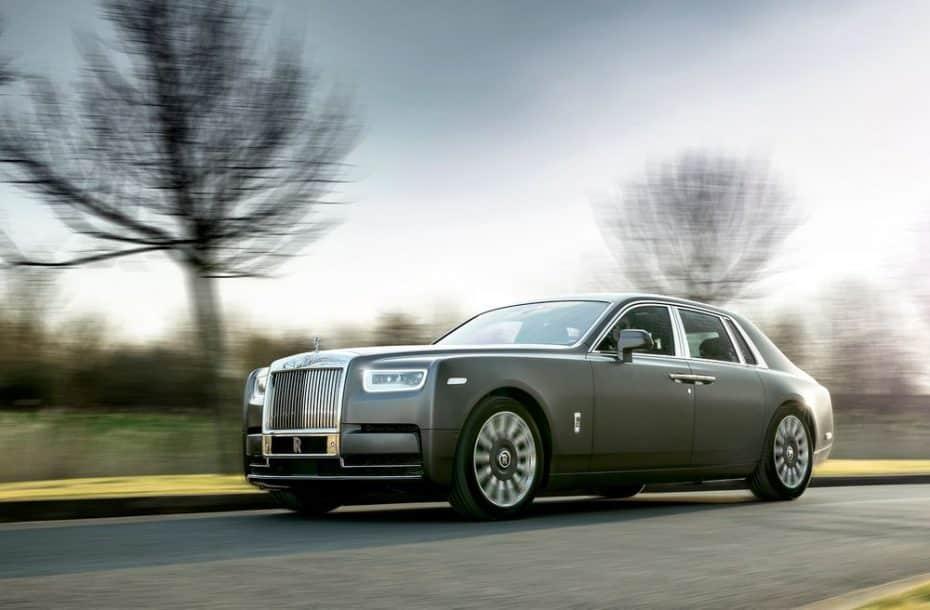 Ojo al stand de Rolls Royce en el Salón de Ginebra: Una verdadera colección de obras de arte