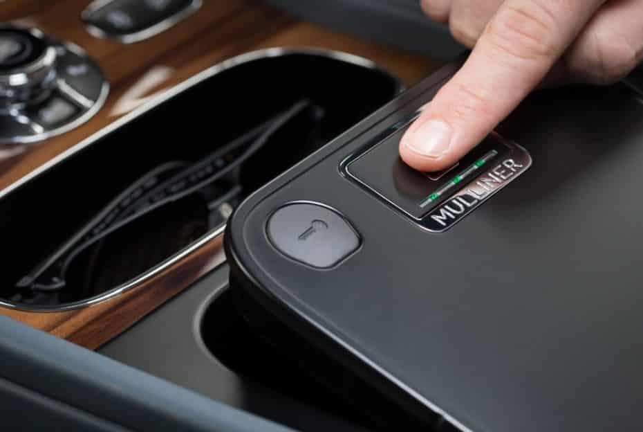 Y ahora Bentley te ofrece una «caja fuerte» con acceso biométrico dentro del coche