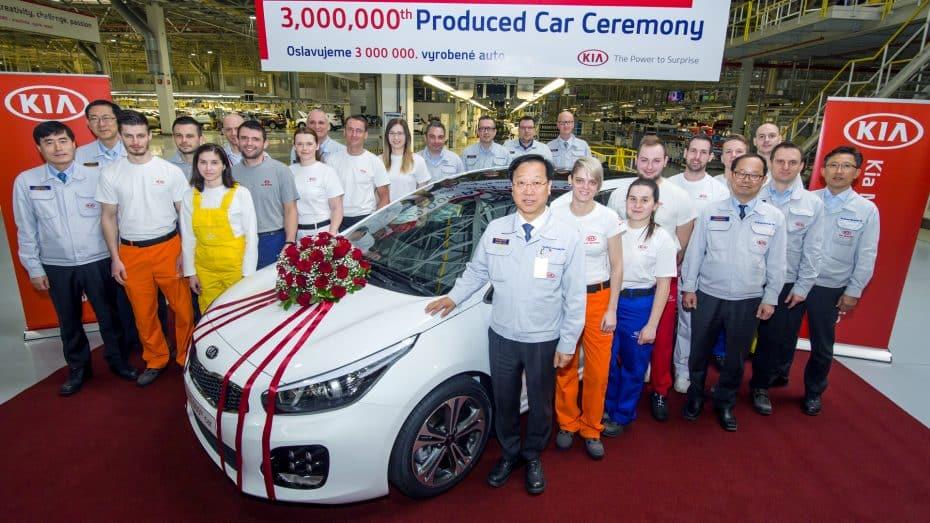 Sale de Eslovaquia la unidad tres millones de Kia producida en Europa