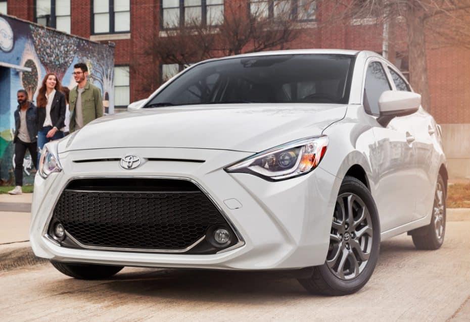 El Toyota Yaris Sedán se pone al día en Estados Unidos: En realidad es un Mazda2 de tres volúmenes