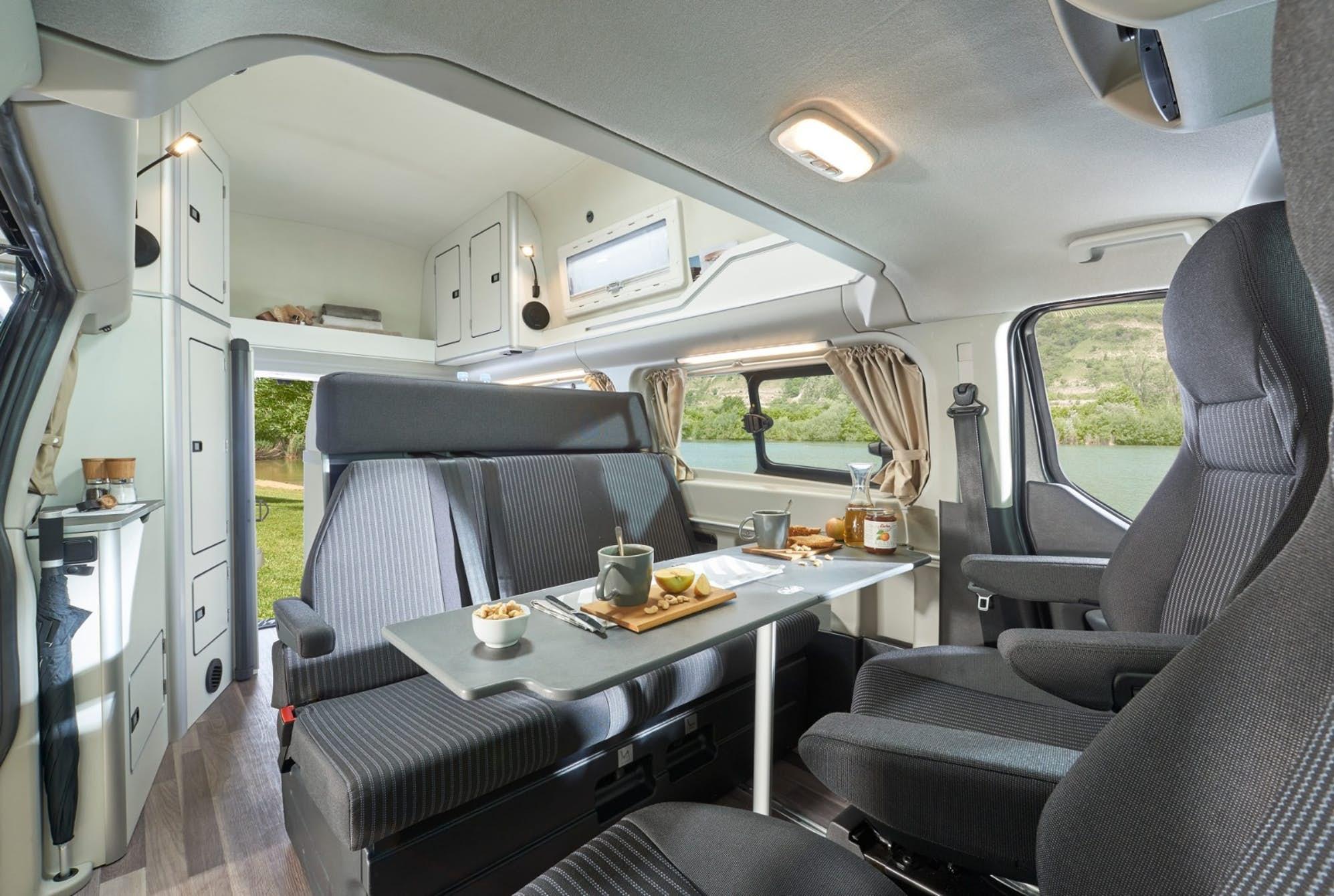 te presentamos el 39 nugget plus 39 un ford transit creado. Black Bedroom Furniture Sets. Home Design Ideas