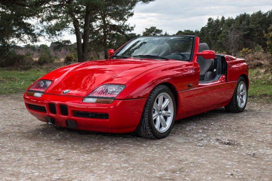 El BMW Z1 presumía de tener las puertas más exóticas del mercado ¡Y este puede ser tuyo!