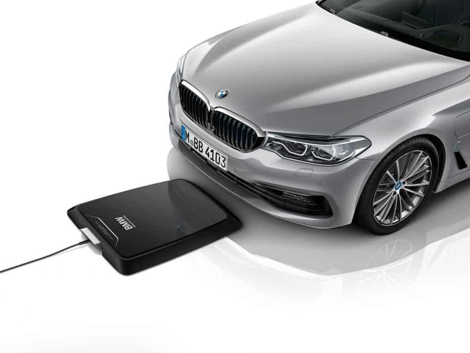 BMW pionero en ofrecer una base de carga por inducción, se estrenará con el 530e iPerformance