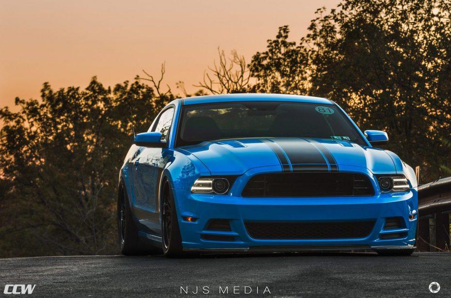 Este Mustang Boss 302 hará que la espera del Shelby GT500 se te haga más amena