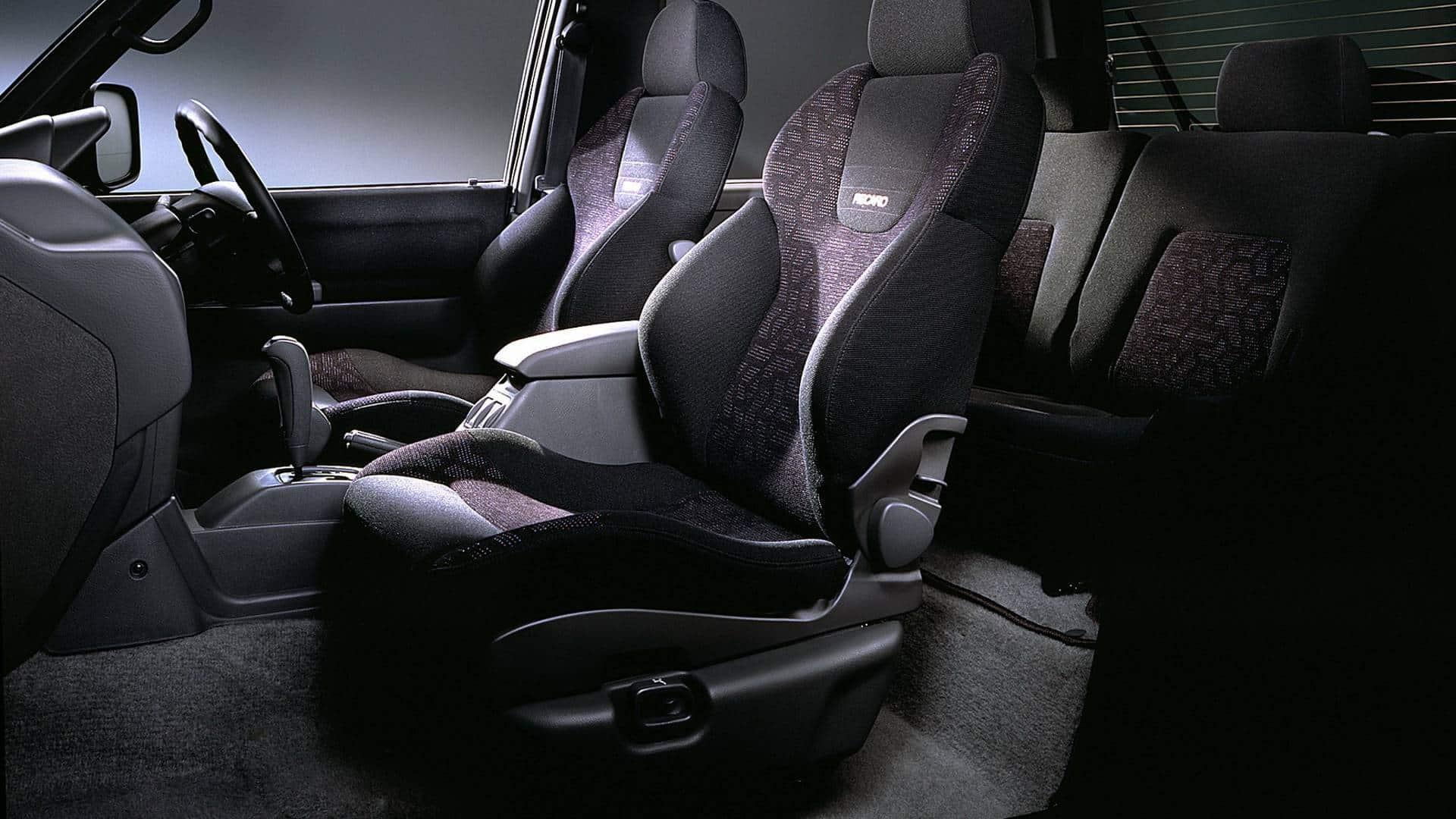 Interior Mitsubishi Pajero Evolution