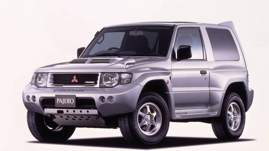 Mitsubishi Pajero Evolution: Una máquina de 280 CV para el Rally Dakar